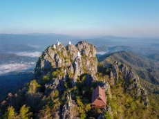 Observe the stunning sights in Thailand
