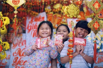 Experience the Lunar New Year of Asian countries