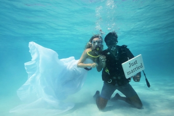 Experience the Trang underwater wedding ceremony in Thailand